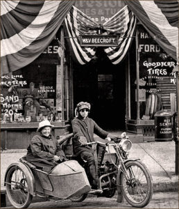 Pioneer female motorcyclist Effie Hotchkiss and her mother
